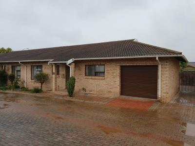2 Bedroom Townhouse for Sale in C Place, Jeffreys Bay - Eastern Cape