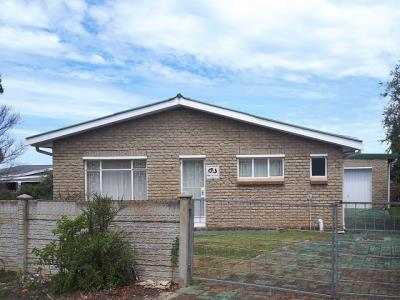 4 Bedroom House for Sale in C Place, Jeffreys Bay - Eastern Cape